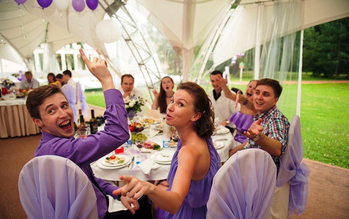 Интересное знакомство с гостями на свадьбе